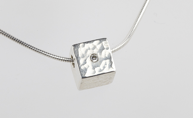 Cube with Diamond
