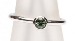 Atlantic 18w green sapphire ring