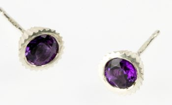 Cupcake with Faceted Amethyst