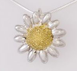 Daisy-Silver-and-Gold-pendant