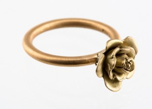 Rose satin ring yellow gold