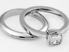 Velvet diamond ring