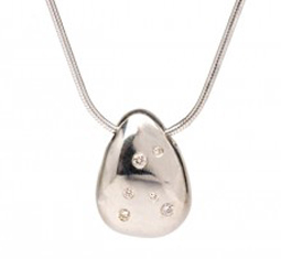 large-Pebble-with-Diamonds